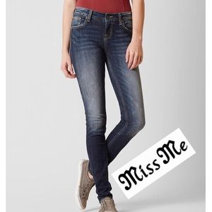 Miss Me JP5128SK-3 Skinny Jeans.       (P20)
